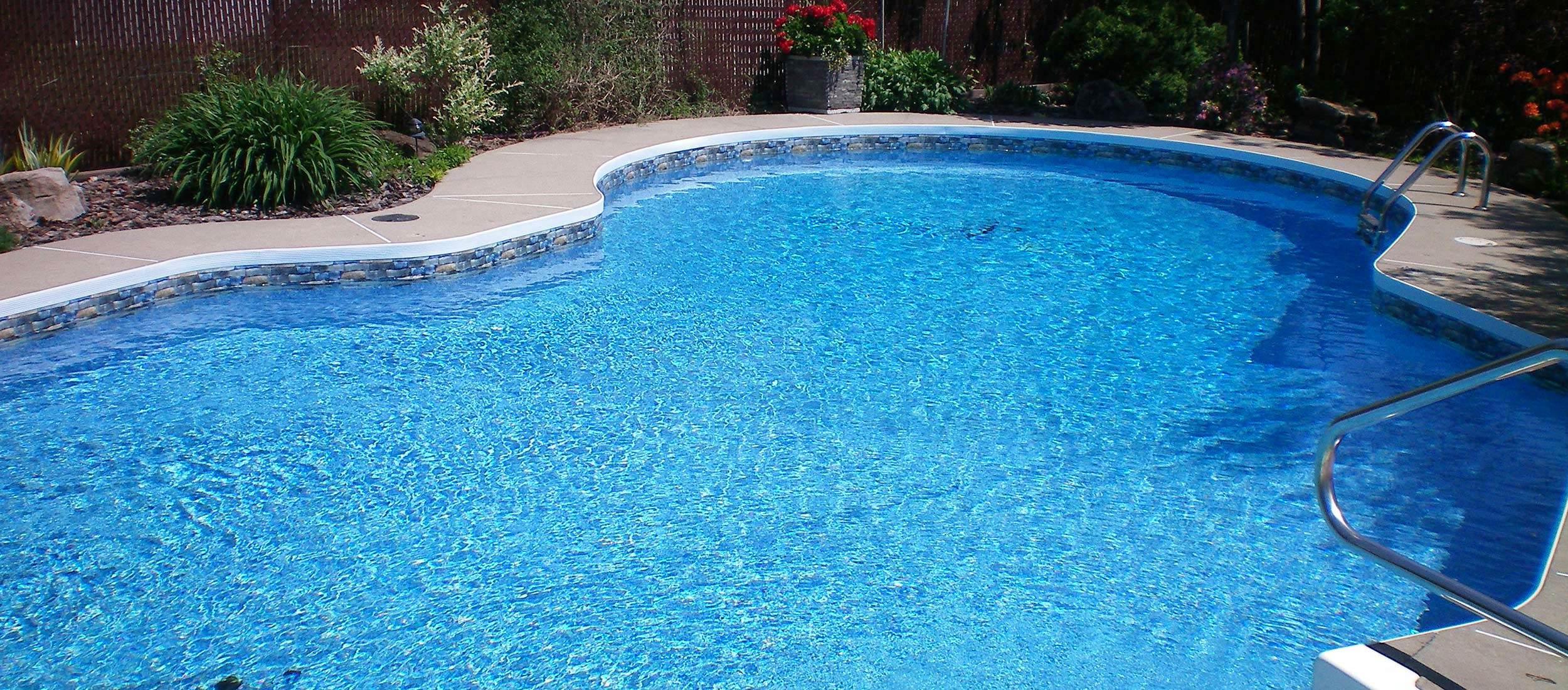 luxe piscine pour femme nord piscine. Black Bedroom Furniture Sets. Home Design Ideas